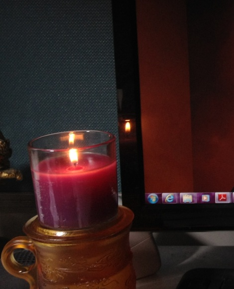Valendar Candle
